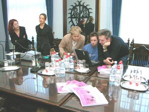 Ifjúságunk munkában,2003